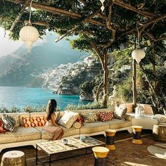 """Storybook settings at Villa Tre Ville in Positano, Italy courtesy of @nicoleisaacs. *Shoutout Sundays* Every Sunday we feature our favorite followers media that are tagged #luxwt or #luxuryworldtraveler . ━━━━━━━━━━━ """"Dream Big, Eat Well & Travel On"""" ━━━━━━━━━━━"""