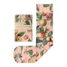 Main imprimé fruits chaussettes dans Peach par StrathconaStockings