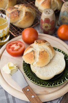 Domowe kajzerki… – brunetkawkuchni Camembert Cheese, Hamburger, Rolls, Pizza, Cooking Recipes, Diet, Baking, Food, Breads