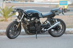 ϟ Hell Kustom ϟ: Honda CB750 By Art On Wheels Garage