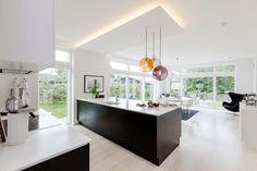 Modern House by Skanlux « HomeAdore Living Room Interior, Kitchen Interior, Interior Design Living Room, Kitchen Design, Beautiful Modern Homes, Open Concept Kitchen, Home Fashion, Modern House Design, Loft