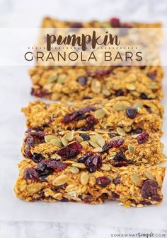 Pumpkin Granola Bars are a healthy fall snack that's made with dried cranberries and pumpkin seeds.They're perfect for breakfast or on the go. Pumpkin Granola Bars Recipe, Healthy Granola Bars, Chewy Granola Bars, Chocolate Granola, Homemade Granola Bars, Keto Granola, Protein Snacks, Healthy Snacks, Healthy Recipes