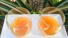 This pineapple tepache recipe uses pineapple skins to produce a delicious, refreshing probiotic beverage that tastes like pineapple kombucha. Probiotic Drinks, Alcoholic Drinks, Beverages, Tepache Recipe, Kombucha Bottles, Mexican Drinks, Kefir, Herbal Medicine