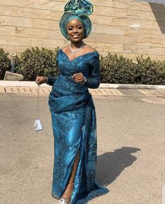 Aso Ebi Lace Styles, African Lace Styles, Latest Aso Ebi Styles, Lace Dress Styles, Couture Dresses, Fashion Dresses, Wedding Guest Style, Workwear Fashion, African Fashion