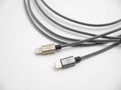 https://www.kickstarter.com/projects/1672585167/combo-studio-mfi-reversible-usb-cable-for-ipod-iph