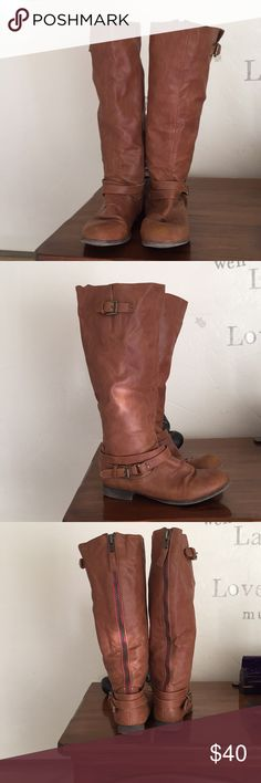 Wet seal boots Wet seal Boots Size 6 It has some small scratches color Brown or Honey Wet Seal Shoes Winter & Rain Boots