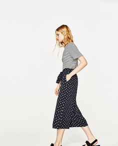 Image 4 of CROPPED TROUSERS from Zara