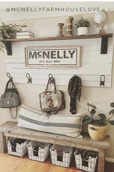 Small Entryway and Foyer Decorating Ideas On a Budget – Foyer decorating inspiration and entryway decor ideas! Let's take a look at some small entryway ideas for the foyer in … Diy Home Decor Rustic, Rustic Entryway, Entryway Decor, Entryway Organization, Entryway Ideas, Organization Ideas, Rustic Country Decor, Front Entry Decor, Small Apartment Entryway