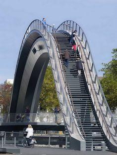 Melkwegbridge in the Netherlands - Source: desingboom.com