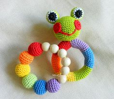 Baby rattle SET of 2 Crochet Baby toy Rainbow Grasping and Teething Toys Frog Stuffed toys Gift for baby Girls Boys
