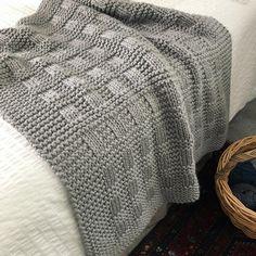 New Blanket Knitting Patterns for Babies new Season 2019 - Stricken - Knitting Ideas Baby Knitting Patterns, Loom Knitting, Free Baby Blanket Patterns, Knitting Ideas, Knitted Afghans, Knitted Baby Blankets, Crochet Baby Blanket Beginner, Knit Basket, Tear