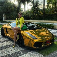 Girl With Curves, Top Cars, Car Girls, Sexy Cars, Photography Women, Classy Women, Fast Cars, Sport Cars, Cars And Motorcycles