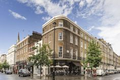 3 bed flat for sale in Elizabeth Street, London