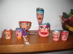 carol w. - Buscar con Google Sculpture Clay, Ceramic Clay, Planter Pots, Mosaic, Recycling, Paper Crafts, Ceramics, Mugs, Dolls