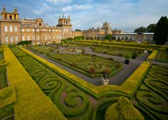 The Italian Garden at Blenheim Palace in Oxfordshire, England Woodstock, Parks, Shakespeare In Love, Blenheim Palace, Blenheim Castle, Palace Garden, Palace Uk, Most Beautiful Gardens, Italian Garden