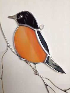 Trendy Black And White Bird Pictures Window Stained Glass Birds, Stained Glass Crafts, Fused Glass Art, Stained Glass Patterns, American Robin, Black And White Birds, Diy Bird Bath, Robin Bird, Bird Crafts