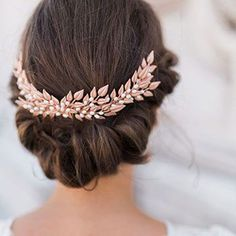Wedding Hair With Flowers & jewels  :    coronita-coc-mireasa  - #WeddingHairStyle https://youfashion.net/wedding/wedding-hair-style/wedding-hair-with-flowers-jewels-accesorii-pentru-par-wedding-hairstyle-glam-atlas-de-nunta/
