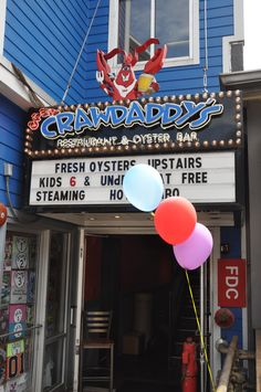 Crawdaddy's Restaurant & Oyster Bar - Gatlinburg, Tennessee - Fresh seafood and a great location and atmosphere!