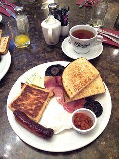 Breakfast at Beweleys, Dublin