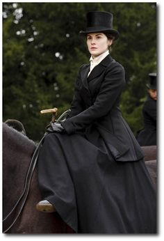 Mary riding side saddle going on a hunt, Downton Abbey