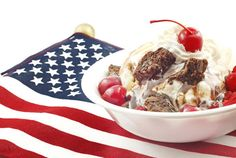 Surprise Your Guests With This Ice Cream Sundae Bar for Dessert!