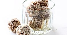 For a quick lunch box snack try these apritcot and sesame spice bliss balls. Healthy Bars, Healthy Work Snacks, Quick Snacks, Healthy Eating, Healthy Options, Sweet Recipes, Whole Food Recipes, Snack Recipes, Healthy Recipes