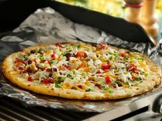 Grilled Chicken n' Bacon Ranch Pizza https://www.facebook.com/photo.php?fbid=671535132891058&set=a.363073483737226.90496.196401850404391&type=1