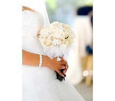 Have You Considered Feathers? | Sending Smiles ~ #wedding #bouquet #ideas
