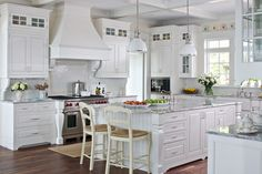 How To Design A Traditional Kitchen With White Kitchen Cabinets Cottage Kitchen Shelves, White Cottage Kitchens, Country Kitchen Cabinets, Farmhouse Style Kitchen, Home Kitchens, Cottage Farmhouse, Kitchen White, Farmhouse Cabinets, Cottage Style