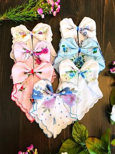 Handkerchief folded into a perfect sailor bow. Handkerchief Folding, Handkerchief Crafts, Quilted Christmas Ornaments, Christmas Crafts, Pink Mason Jars, Towel Crafts, Vintage Handkerchiefs, Linens And Lace, Clothes Crafts