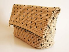 Crochet pattern for polka dot clutch. You'll by chabepatterns