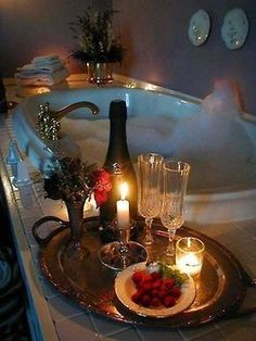 Valentine's Day is the perfect time for romantic relaxation! Set the scene for a romantic bath with candles, champagne, and strawberries! My Funny Valentine, Valentines Day, Romantic Night, Romantic Ideas, Romantic Places, Romantic Moments, Romantic Room, Romantic Candles, Romantic Decorations