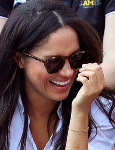 Who pays for Meghan Markle\u0027s clothes