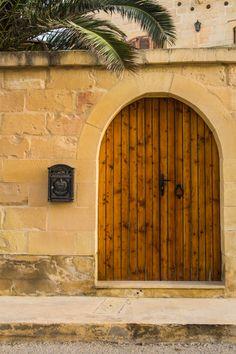 Door on Gozo, Malta (click for 40 other doors & windows!)