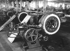 Tyre production at the Baťa Works, 1933
