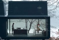 Vipp, a Danish company, has created the Vipp Shelter, a modern prefab escape. The shelter is made from galvanised steel and glass and its minimalist design helps the structure blend seamlessly into the landscape. Prefabricated Houses, Prefab Homes, Decor Interior Design, Interior Design Living Room, Room Interior, Shelter, Architecture Magazines, Minimalist Architecture, Residential Architecture