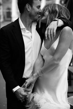 Style Notes | Relaxed Luxury — SIXFOUR Elope Wedding, Wedding Couples, Wedding Pictures, Cute Couples, Dream Wedding, Karen Willis Holmes, Wedding Photoshoot, Wedding Shoot, Wedding Photography Inspiration