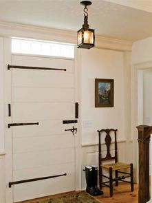 Maybe we can decorate the doors in the entry and hallway like this instead of square designs on the doors.