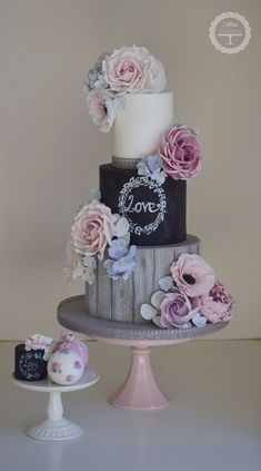 Wedding Cake Más #weddingcakedesigns #weddingcakes