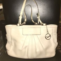 COACH Leather Tote Handbag Coach medium F13759 White leather East West Gallery Pleated Tote Handbag Coach Bags Totes