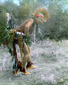 A Crow Dancer in early 1900's.-vintage everyday: 23 Beautiful Color Photos of Native Americans in the Late 19th and Early 20th Centuries