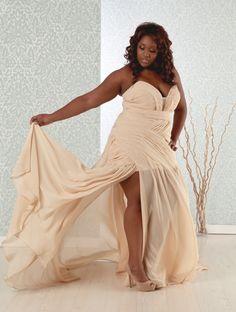 wedding dress for full figured women | marvelous marva in giavanna