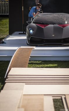 wellisnthatnice:    Sesto Elemento VS Ramp on Flickr.  Via Flickr: It took at least 10 minutes to get the Sesto off the stage.