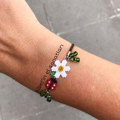 Beaded Crafts, Handmade Beaded Jewelry, Beaded Jewelry Patterns, Bracelet Patterns, Beading Patterns, Bead Loom Patterns, Seed Bead Bracelets, Seed Bead Jewelry, Bead Jewellery