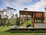 Egyszerű vonalak, őszinte megközelítés, fenntarthatóság, egy díjnyertes ház a természetben
