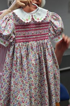 Midnight Oil Smockers: full view - looks like machine embroidered collar and cuffs. Girls Smocked Dresses, Little Girl Dresses, Cute Dresses, Smocked Clothing, Vintage Baby Dresses, Smocking Baby, Smocking Patterns, Baby Dress Design, Frock Design