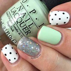 Sparkly, Mint & Polka Dot Nail Design