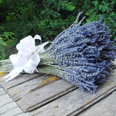Xinjiang ili 2014 new stock dried lavender flowers bouquets of natural decorative rural amorous feelings help sleep 800 grams Dried Lavender Flowers, Lavender Bouquet, Flower Bouquet Pictures, Stock Flower, Nature Decor, Rustic Decor, Wedding Decorations, Wedding Ideas, Garden Tools