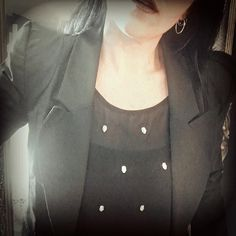 alternative dark gothic fashion, alternative girl, rocker chick, dark style, skull top, thrifted style, black is the new black .  #meandannabellee