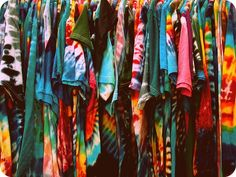 Mystery Vintage Inspired Tie Dye Tee Shirts All sizes So COOL - Cool Shirts - Ideas of Cool Shirts - Check out this great offer I got! Hipster Outfits, Cute Outfits, Fashion Outfits, Hipster Style, Simple Outfits, Diy Fashion, Teen Fashion, Ty Dye, Tie Dye Shirts